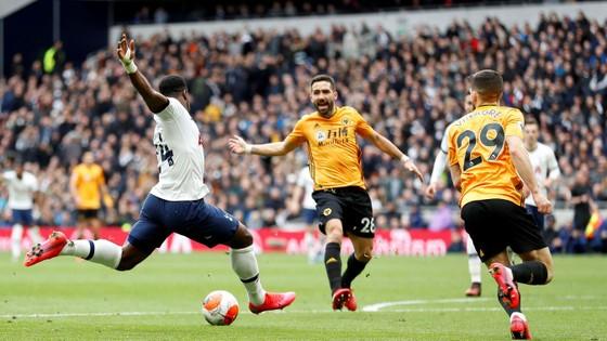 Tottenham - Wolves 2-3: Bầy sói thắng ngược Gà trống ảnh 5
