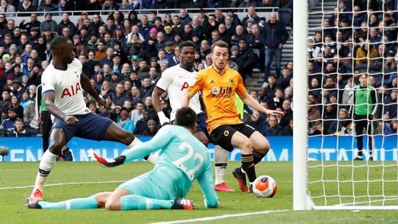 Tottenham - Wolves 2-3: Bầy sói thắng ngược Gà trống ảnh 6