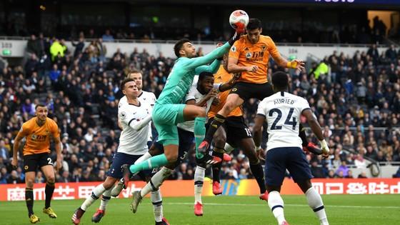Tottenham - Wolves 2-3: Bầy sói thắng ngược Gà trống ảnh 7