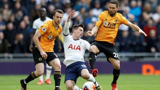 Tottenham - Wolves 2-3: Bầy sói thắng ngược Gà trống