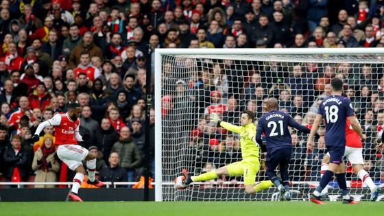 Arsenal - West Ham 1-0: Lacazette lập công đưa Pháo thủ lên thứ 9 ảnh 8