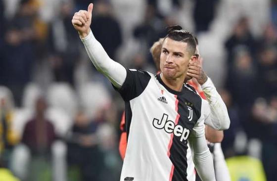 Cristiano Ronaldo gửi thông điệp Covid-19