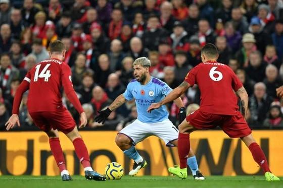 Sốc: Mang 20 đội Premier League sang hoàn tất mùa giải ở Trung Quốc