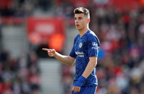 Mua Coutinho, Chelsea sẽ làm thui chột Mason Mount ảnh 1