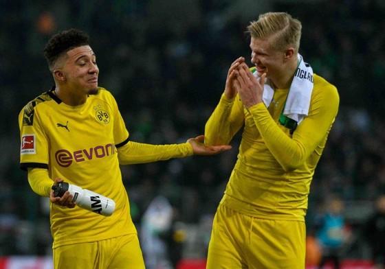 Borussia Dortmund thuyết phục Jadon Sancho và Erling Haaland ở lại