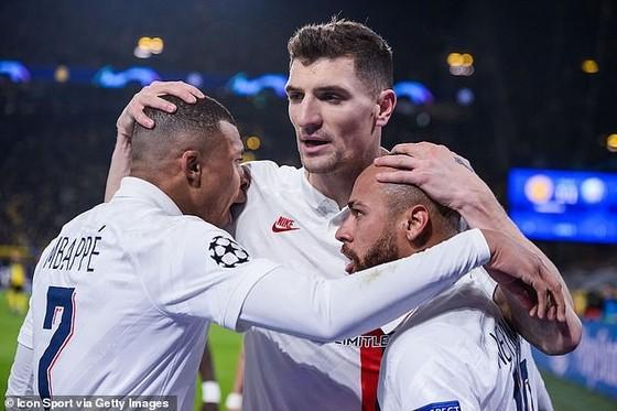 PSG muốn chơi Champions League ở nước ngoài ảnh 1