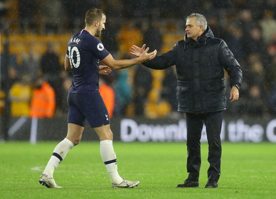 Harry Kane cần tin tưởng vào Jose Mourinho
