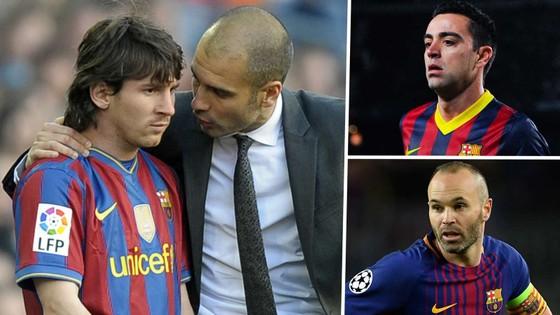 Pep Guardiola dặn dò Messi, bên cạnh Iniesta và Xavi