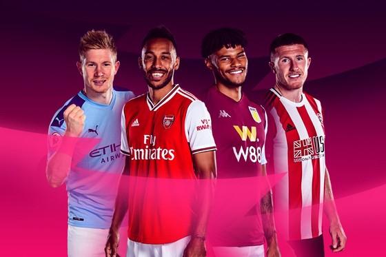 Aston Villa và Sheffield United sẽ nhập cuộc trước, sau đó là Man United và Arsenal