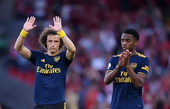 Arsenal triển hạn hợp đồng với David Luiz, các fan Pháo thủ phản ứng dữ dội ảnh 1