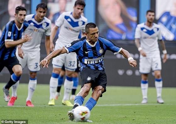 Alexis Sanchez trong màu áo Inter