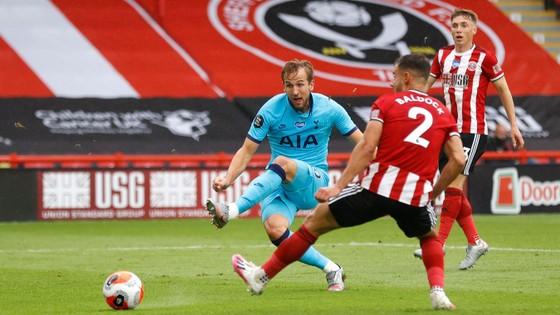 Tottenham thua tan tác trên sân Sheffield United, Mourinho hết phép ảnh 3