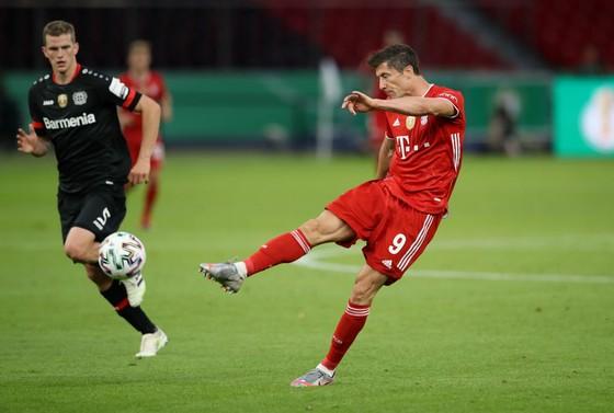 Pha ghi bàn của Robert Lewandowski (Bayern Munich)