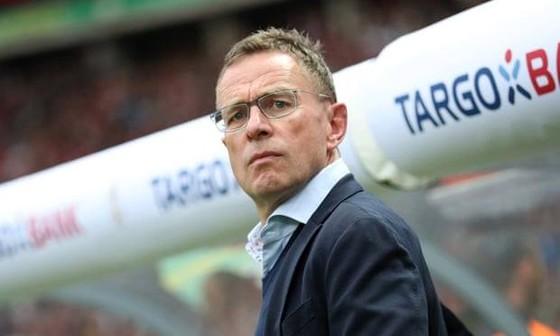 HLV người Đức Ralf Rangnick đã ký hợp đồng với AC Milan