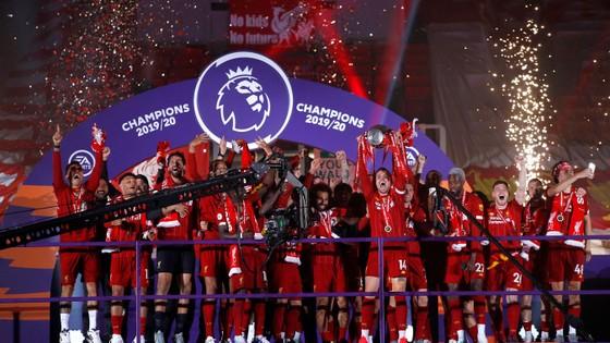 Kết quả và xếp hạng giải Ngoại hạng Anh, vòng 37 ngày 22-7: Man United vấp ngã, Liverpool hạ Chelsea ảnh 4