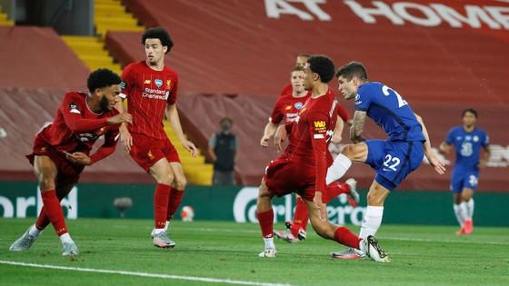 Liverpool – Chelsea 5-3: Cơn mưa bàn thắng đẹp ở Anfield ảnh 4