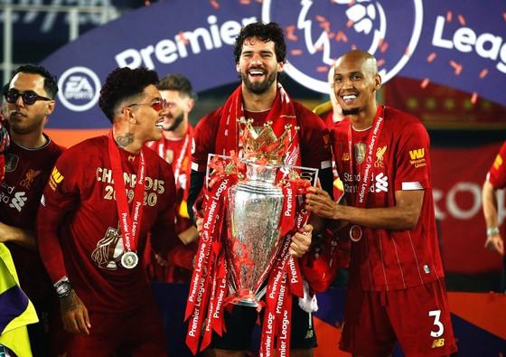Kết quả và xếp hạng giải Ngoại hạng Anh, vòng 37 ngày 22-7: Man United vấp ngã, Liverpool hạ Chelsea ảnh 5
