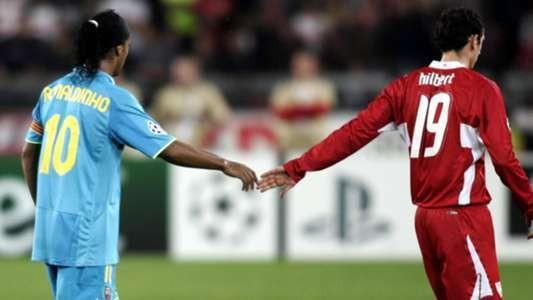 Nếu Neymar trị giá 200 triệu bảng, thì Ronaldinho và Ronaldo sẽ là vô giá ảnh 1