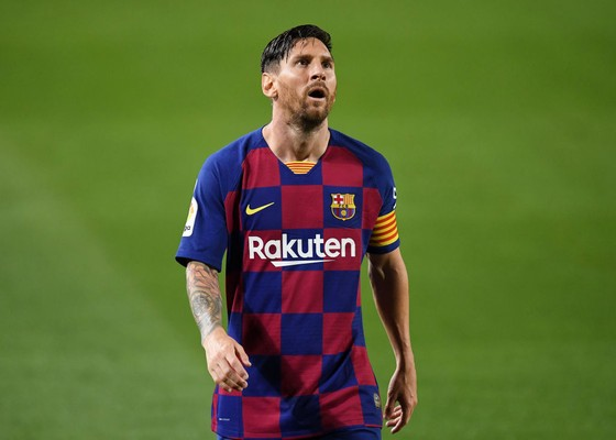 Messi muốn rời Barcelona nhưng Ronald Koeman quyết giữ M10 ở lại ảnh 1