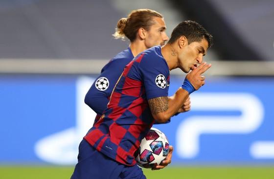 Luis Suarez sẽ phải rời Bãrcelona