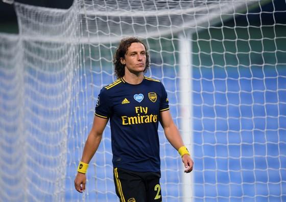 Arsenal toát mồ hôi vì mất David Luiz trước trận mở màn Premier League