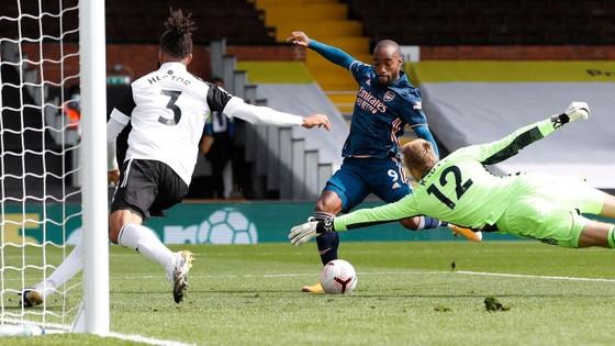 Bừng bừng khí thế, Arsenal đè bẹp Fulham trong trận mở màn Premier League ảnh 1