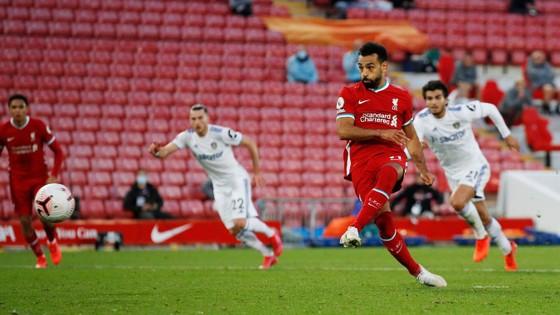 Mo Salah ghi hattrick giúp Liverpool khuất phục Leeds trong cơn mưa 7 bàn thắng ảnh 7