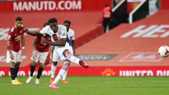 Man United – Crystal Palace 1-3, Zaha nhấn chìm Quỷ đỏ ảnh 4