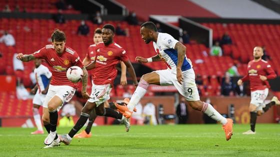Man United – Crystal Palace 1-3, Zaha nhấn chìm Quỷ đỏ ảnh 3