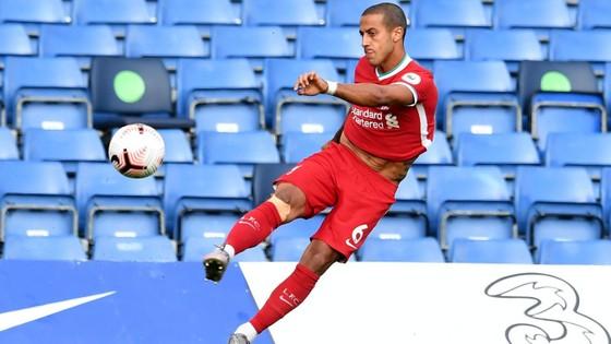 Sadio Mane ghi cú đúp, Chelsea trả giá sai lầm hàng thủ ảnh 4