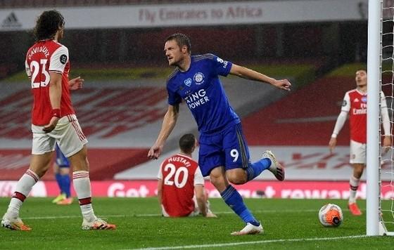 Ngăn cản Jamie Vardy của Leicester là chuyện không đơn giẢN