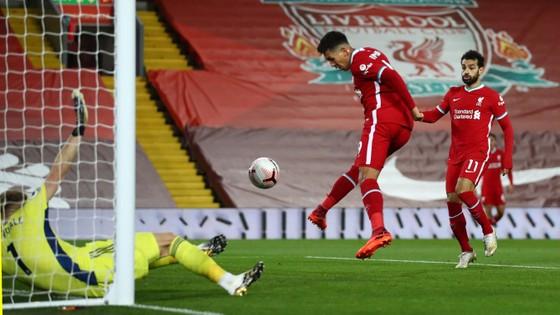 Bàn thắng gỡ hòa cu3as Roberto Firmino (Liverpool) trước Sheffield