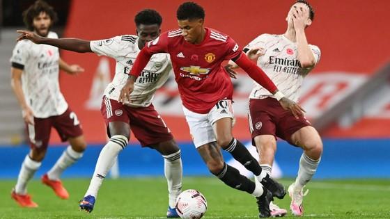Aubameyang nổ súng, Arsenal nhấn chìm Man United ngay tại Old Trafford ảnh 5