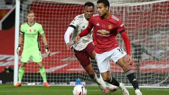 Aubameyang nổ súng, Arsenal nhấn chìm Man United ngay tại Old Trafford ảnh 3