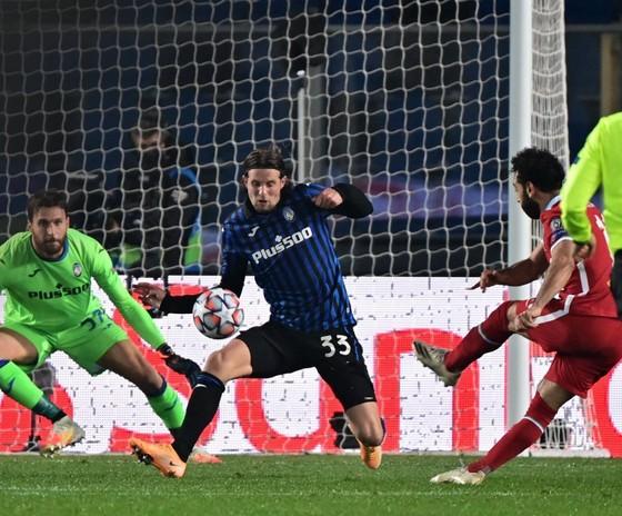 Salah tự hào khi bắt kịp kỷ lục của huyền thoại Liverpool ảnh 1