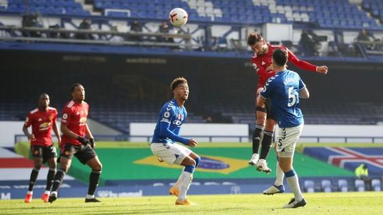 Bruno Fernandes giúp Quỷ đỏ nhấn chìm Everton 3-1 ảnh 2