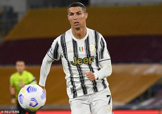 Leonardo lên kế hoạch đưa Ronaldo về Paris SG