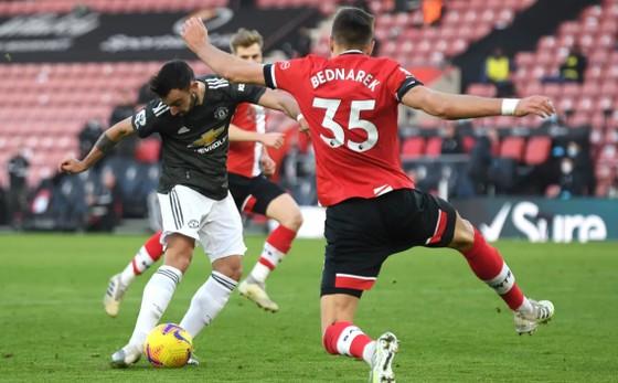 Cavani bùng nổ trong cuộc ngược dòng ngoạn mục của Man United ảnh 3