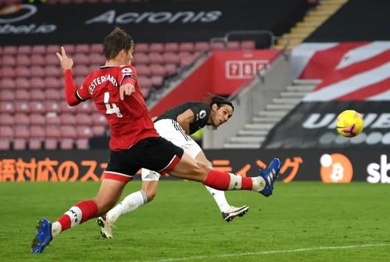 Cavani bùng nổ trong cuộc ngược dòng ngoạn mục của Man United ảnh 4