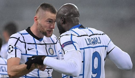Lukaku ăn mừng bàn thắng