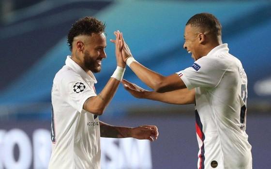 Kylian Mbappe và Neymar (trái) dẫn đầu danh sách Nhân vật thể thaoở Pháp
