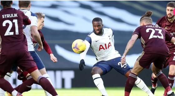 Đè bẹp Leeds, Harry Kane và Son Heung-min đưa Tottenham lên hạng 3 ảnh 4