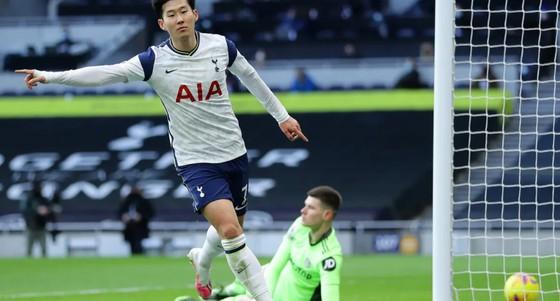 Đè bẹp Leeds, Harry Kane và Son Heung-min đưa Tottenham lên hạng 3 ảnh 1