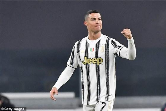 Cuộc đua Serie A căng thẳng ngay đầu năm mới