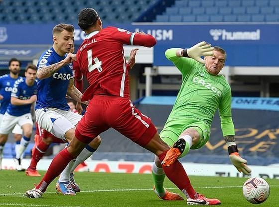 Jurgen Klopp: Phong độ Liverpool chỉ sa sút… chút xíu! Van Dijk đang hồi phục nhanh chóng ảnh 1