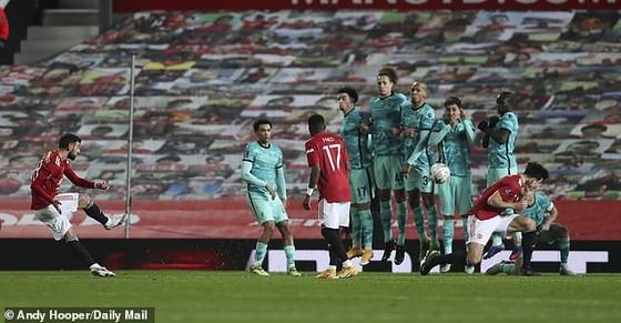 Bruno Fernandez tiết lộ học Mata kỹ thuật sút phạt để đánh bại Liverpool ảnh 3