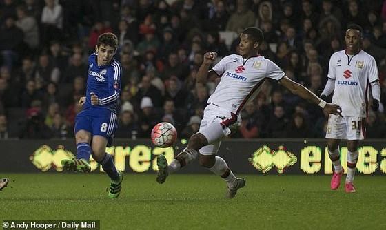 Oscar muốn trở lại Chelsea để viết tiếp 'câu chuyện đẹp' ở Stamford Bridge ảnh 1