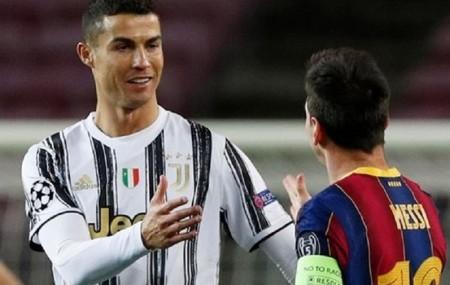 Jamie Carragher nói Messi giỏi hơn Ronaldo nhưng ông tôn trọng CR7 hơn ảnh 2