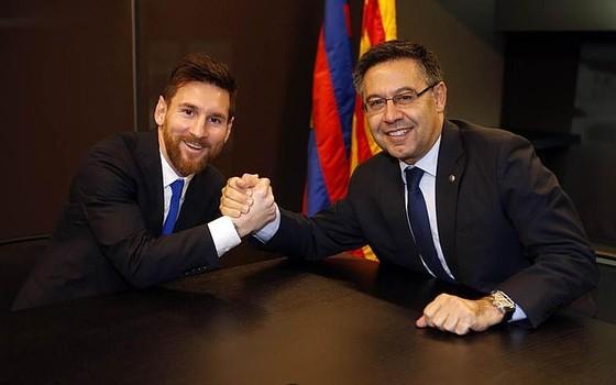 Cựu chủ tịch Barcelona Bartomeu phủ nhận việc rò rỉ hợp đồng trị giá 555 triệu euro của Lionel Messi ảnh 1