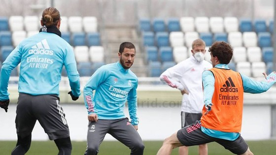 Eden Hazard vắng mặt khoảng 6 tuần, dính chấn thương thứ 9 ở Real Madrid ảnh 1